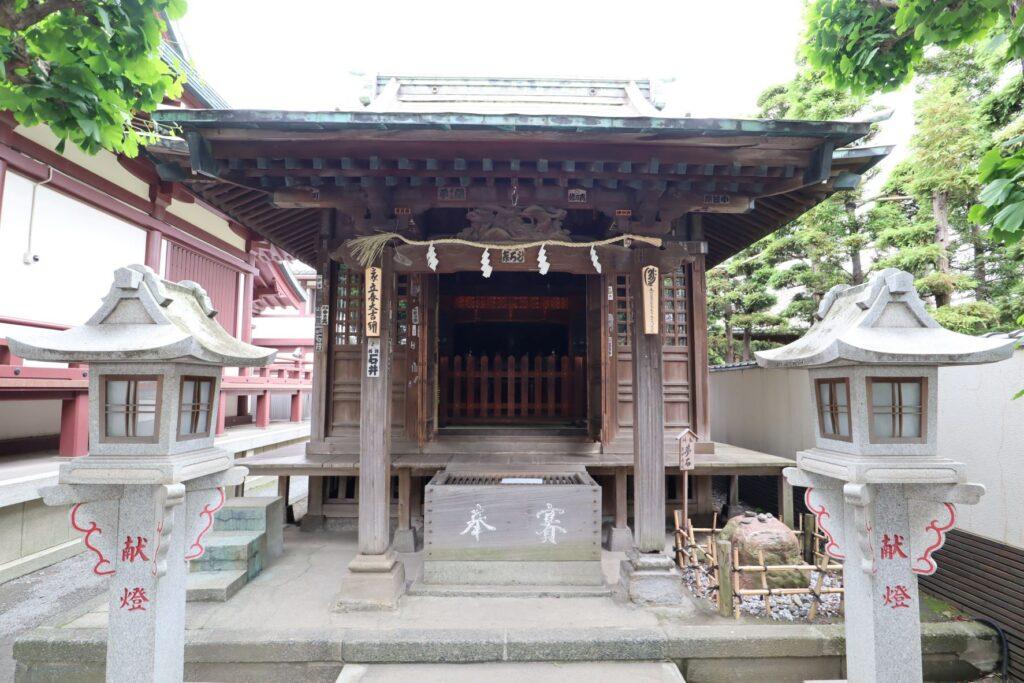 川崎大師の稲荷堂