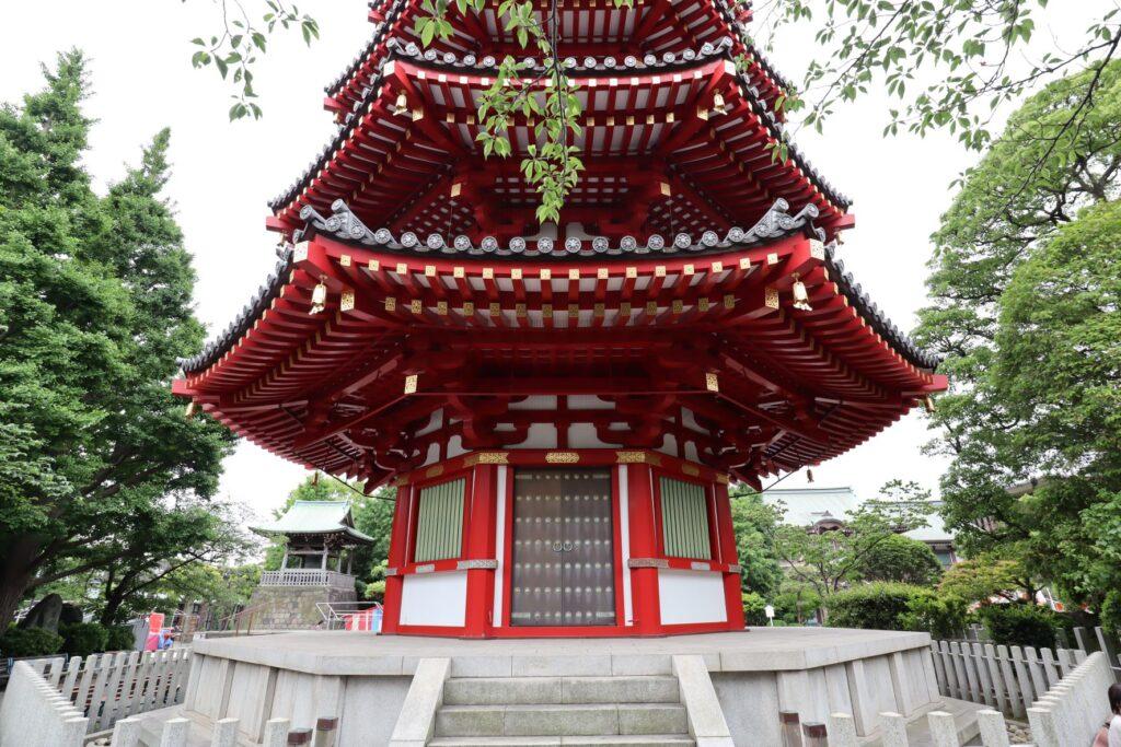 川崎大師の八角五重塔