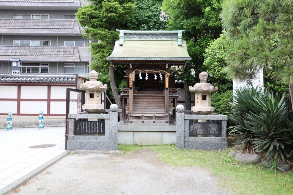 川崎大師の清滝権現堂