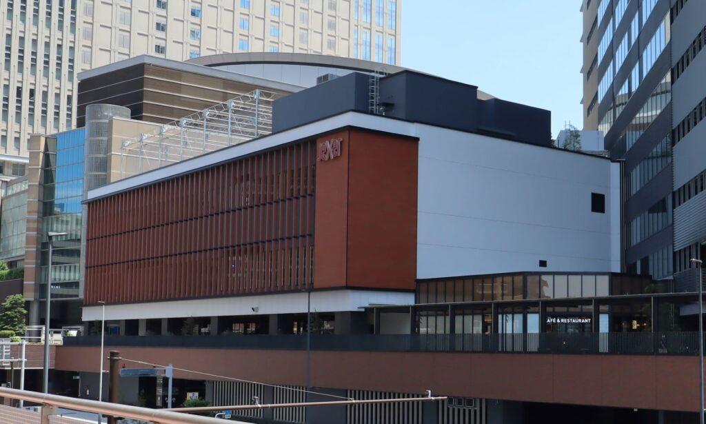 KAWASAKI DELTAのJR川崎タワー商業棟外観