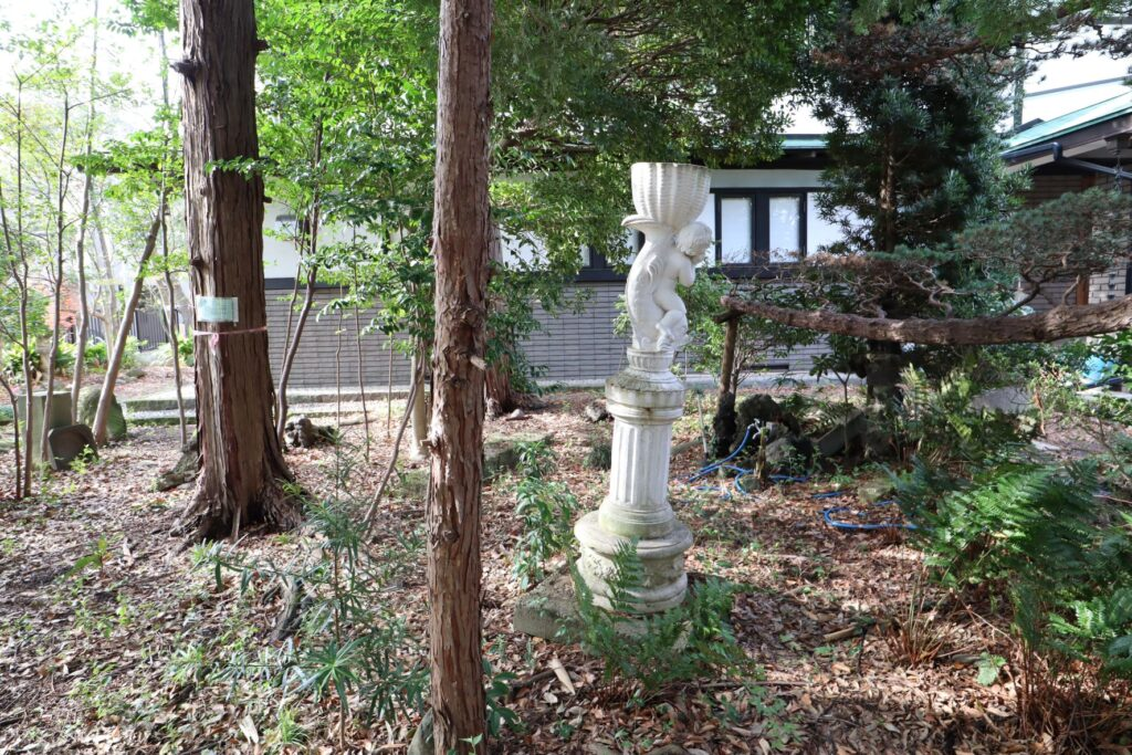 小黒恵子童謡記念館の庭