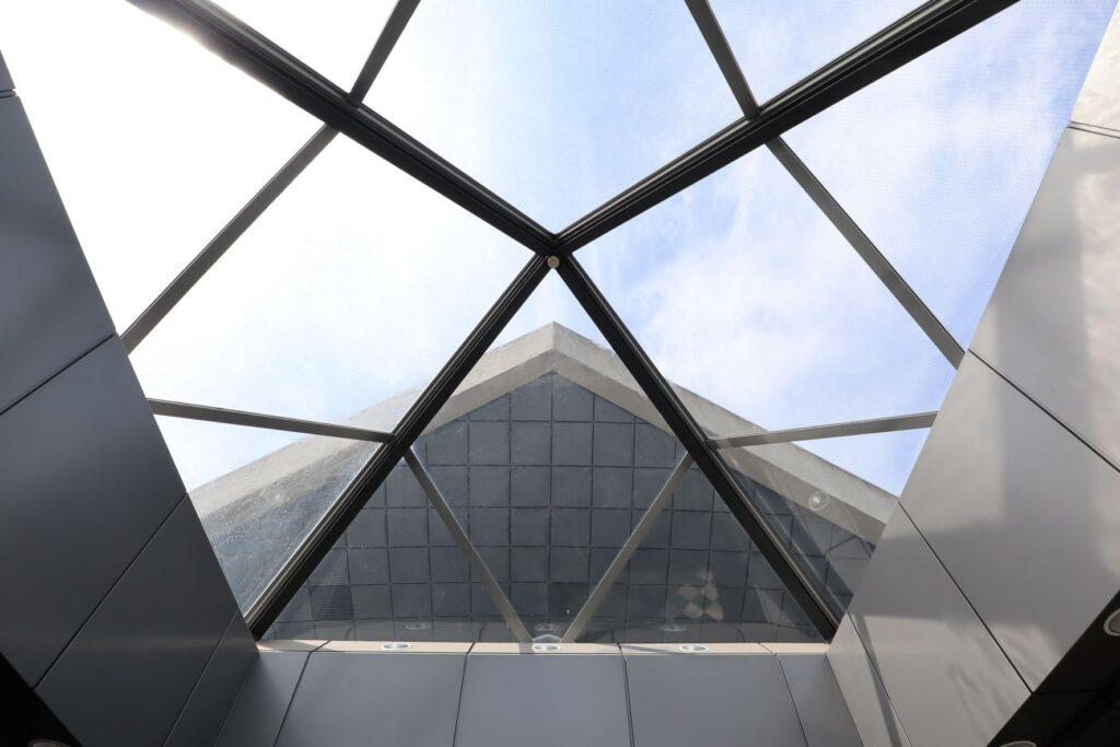 駒沢オリンピック公園体育館の天窓