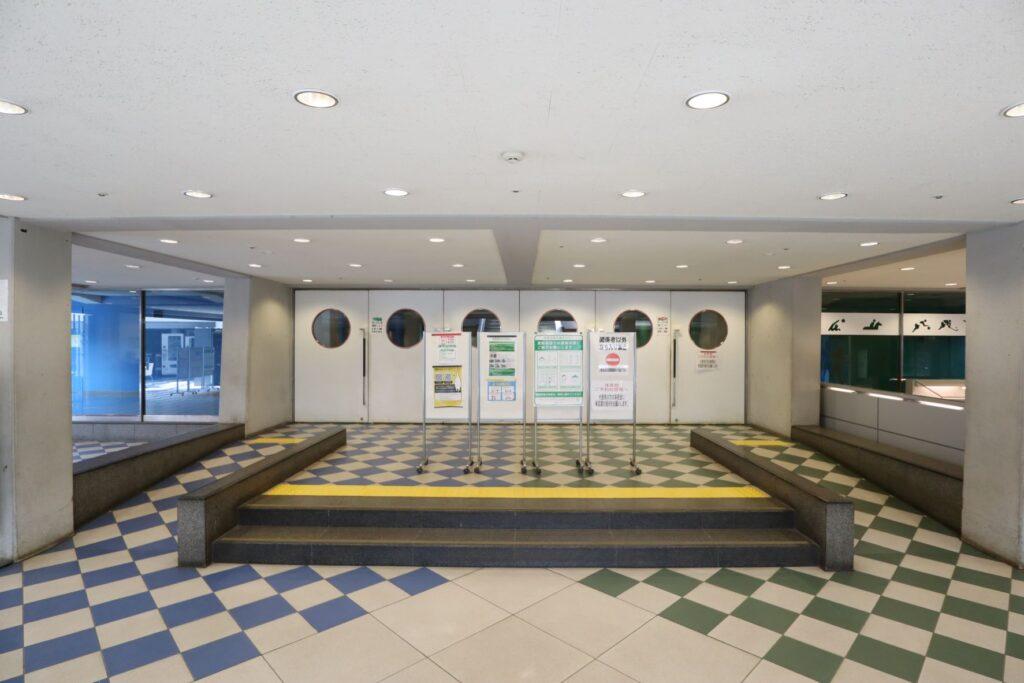 駒沢オリンピック公園体育館アリーナ入口