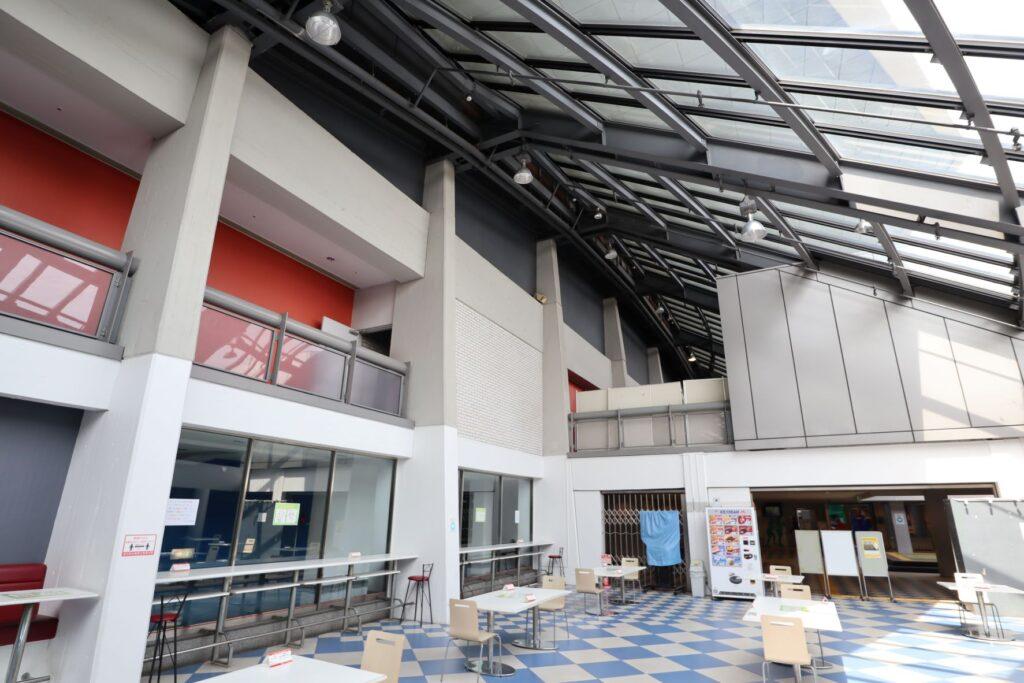 駒沢オリンピック公園体育館の休憩スペース