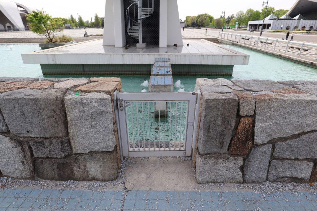 駒沢オリンピック公園オリンピック記念塔の足場