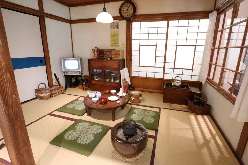 長谷川町子記念館の磯野家の居間再現コーナー