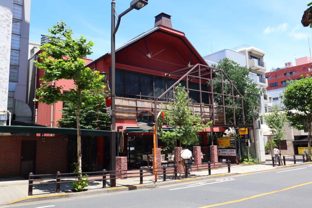乃木会館の隣にあるレストラン・メゾンブランシュ