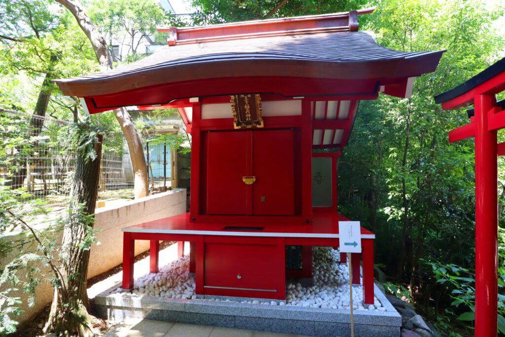 乃木神社境内の赤坂王子稲荷神社