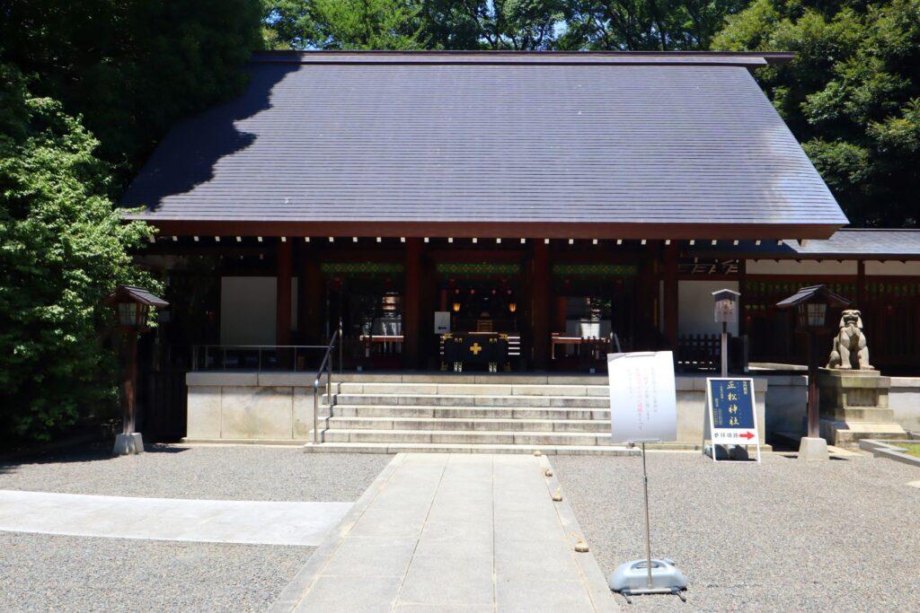 乃木神社境内の社殿
