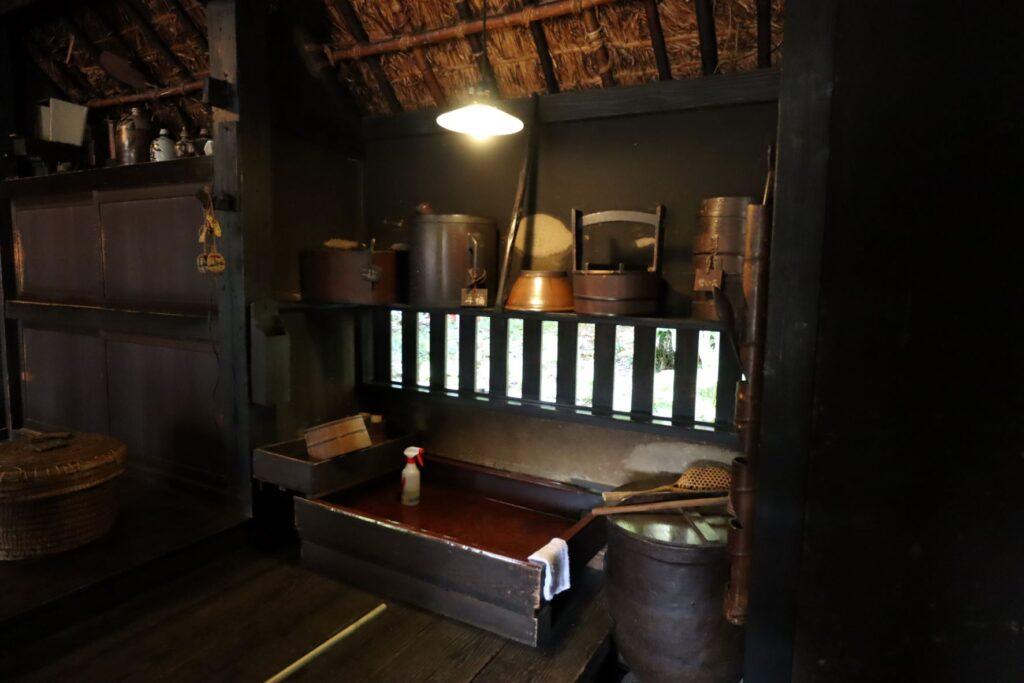 岡本公園民家園の旧長崎家主屋の流し台