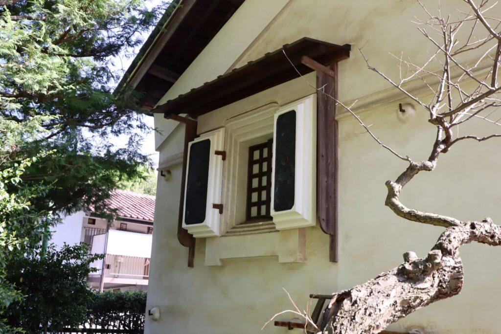 岡本公園民家園の旧浦野家土蔵の窓