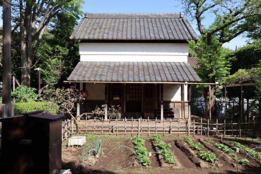 岡本公園民家園の旧浦野家土蔵ファサード