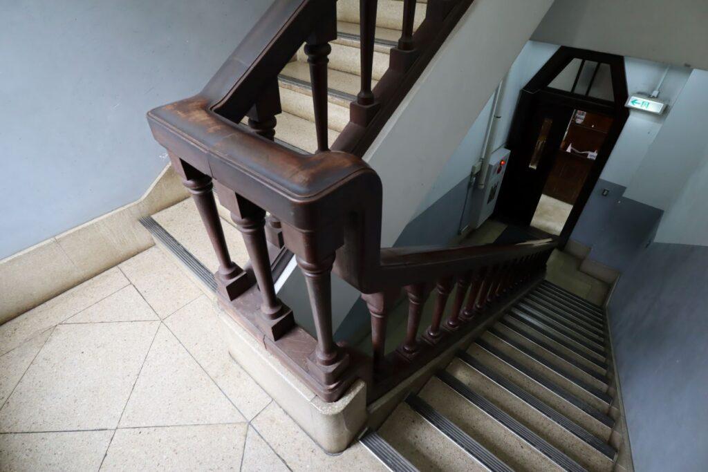 大倉山記念館の非常階段