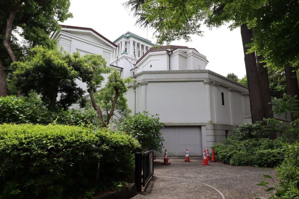 大倉山記念館の裏側外観
