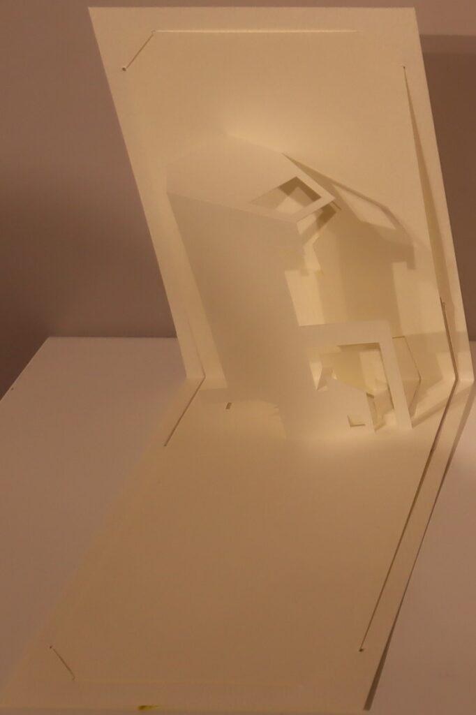 オリガミ・アーキテクチャーの塔の家