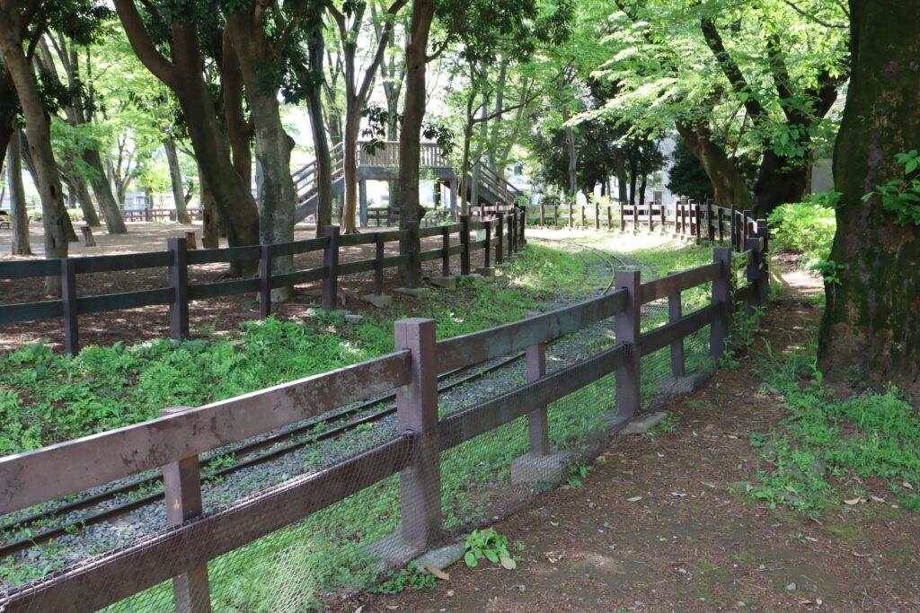 世田谷公園のミニSL線路