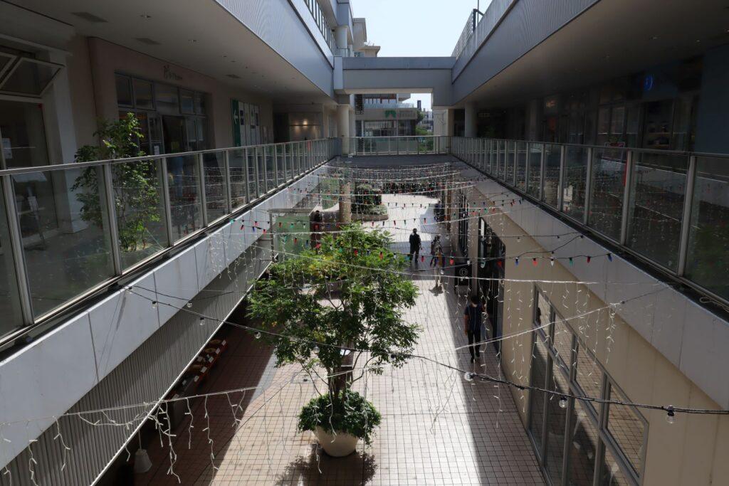 たまプラーザテラスのゲートプラザの内部通路