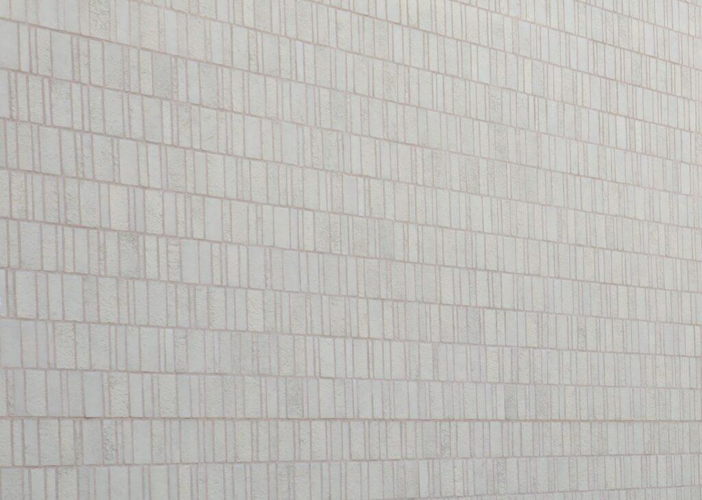 ヨックモックミュージアムの壁タイル